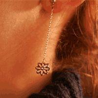 Boucles : Boucles d'oreilles Woodstock Pétales dorées Brin d'Amour