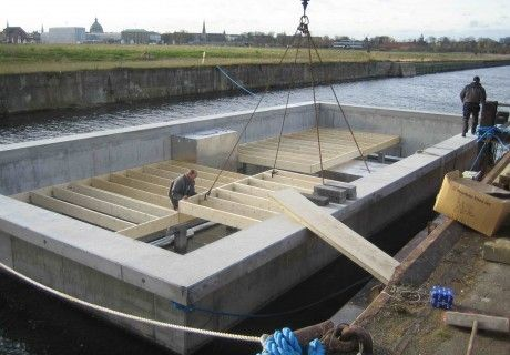 Houseboat concrete hull is produced in UK and DK – HUBB® by Dirkmarine