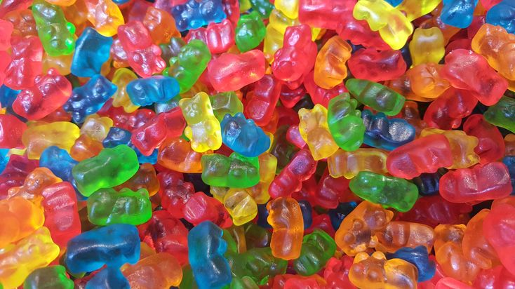 How to make your own gummy candies. #gummybear #recipe