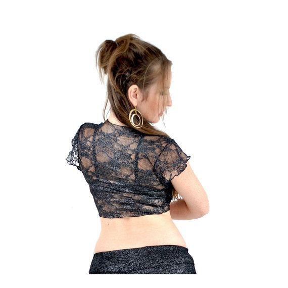 Top de encaje Amira - lámina metálica plata en encaje negro La parte superior de Amira es simple, femenino y un pedazo de la gran estratificación para tu vestuario de baile. Usar un sujetador, tapa del tanque o otro top de Amelia soñando por un montón de opciones. Esta tapa está hecha