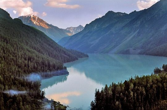 Kucherlinskoye Lake in the Altay Mountains (Altay Republic, Russia).