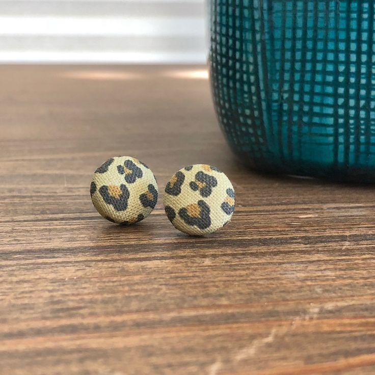Bijoux – Tendance 2017/2018 : Leopard Print Button Earrings #fashionaccessories #fashionjewelry #animalprint #fallstyle #holidaygifts