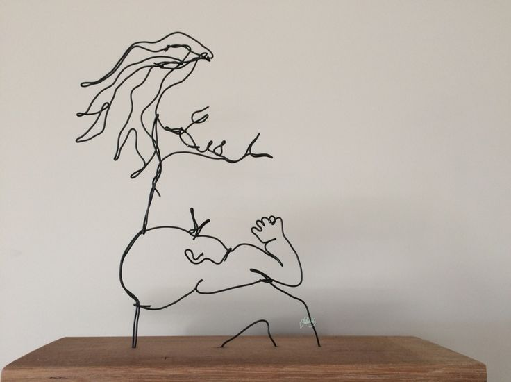 Wire art. Wire sculpture .Mother and Child, wire line drawing