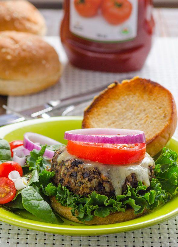 Black Bean Zucchini Burger Recipe -- Meatiest, juiciest and tastiest veggie burger ever. #cleaneating #vegetarian