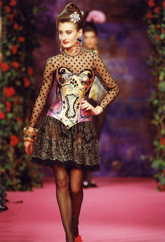 20 best images about fashion 1990s on pinterest for Haute couture list