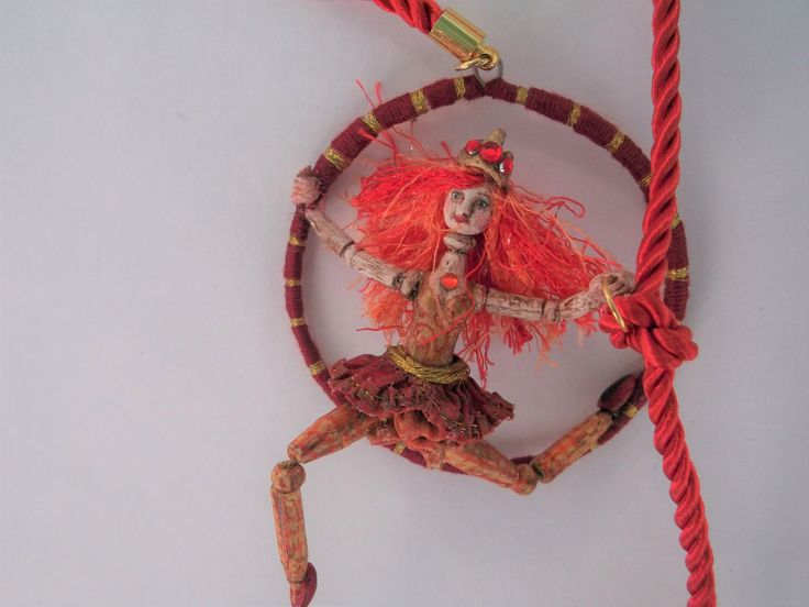 Necklace Art Doll Collection 1 / 24th - Circus - Trapeze Artist