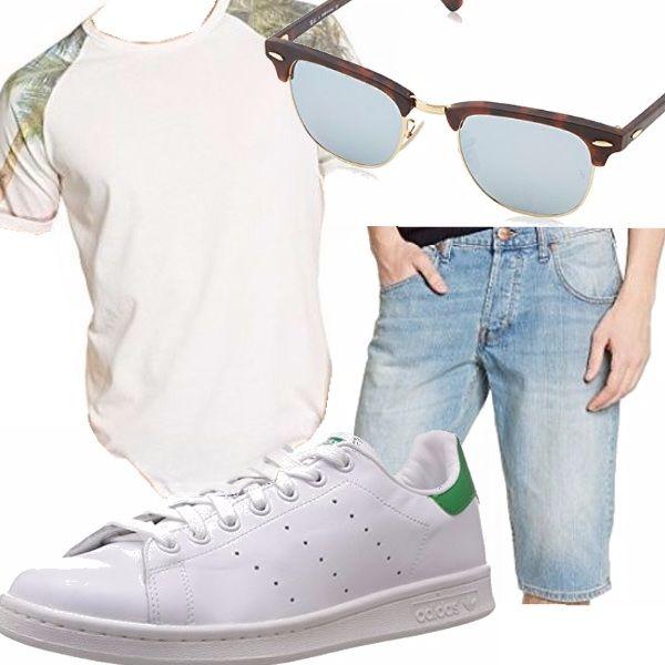 Ovviamente d'estate non bisogna vestirsi sempre eleganti sennò sapete che noia sempre le solite cose. Così, una bella maglietta stampata sulle spalle, un paio di pantaloncini, un paio di scarpe e occhiali abbinati e...tutti al mare!