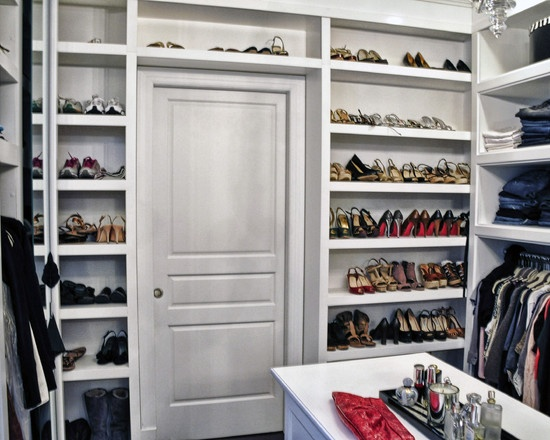 Closet design pictures remodel decor and ideas page 5 for Walk in shoe closet