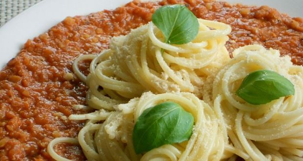Kor Kontroll Társaság - Vöröslencsés bolognai spagetti