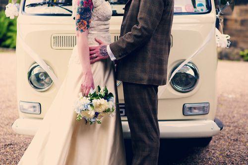 :)Couples Tattoo, Brides Gift, Tattoo Brides, Wedding Tattoo, Vintage Wedding, Vw Campers Vans, Volkswagen Bus, Wedding Design, Vw Vans