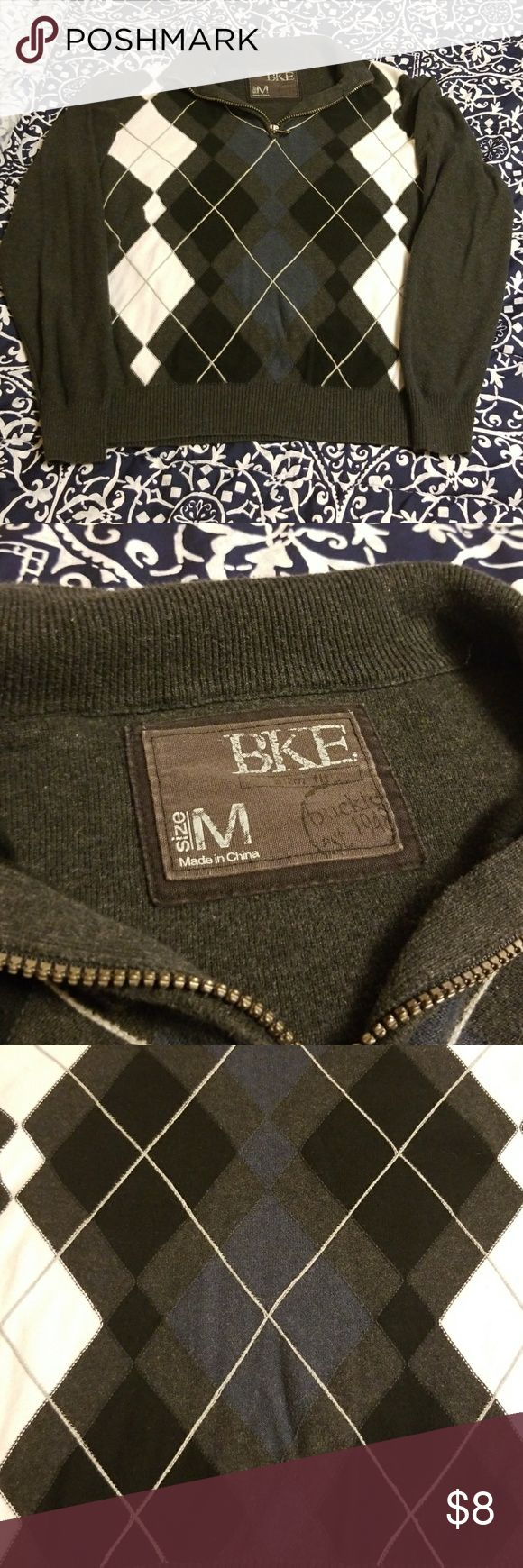 BKE men's half zip argyle sweater Good used condition. Lightweight and good for layering and as a seasonal transition piece. Zipper is in great working condition as well. BKE Sweaters Zip Up