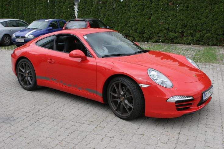 Porsche gloss red #Autofolierung #carwrapping #vehiclewrapping #Kfz #Folierung #Porsche #rot #red