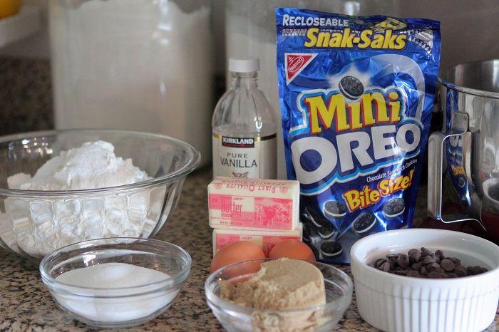 Itty Bitty Oreo Stuffed Chocolate Chip Cookies   Chocolate Chip ...