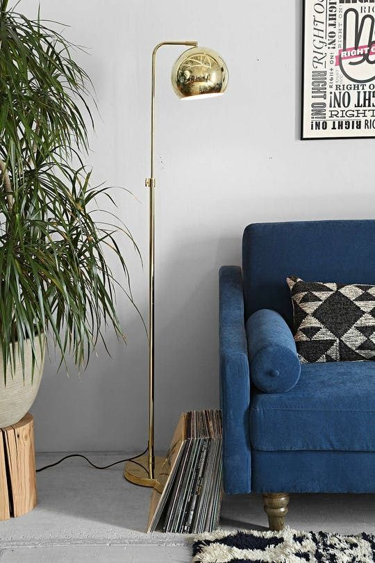 Floor lamps are a great way to add a little extra style. This is especially true with floor lamps, which draw the eye upward and make a big statement without taking up a ton of space. Here are 12 of our favorite floor lamps in brass, the metal of the moment.