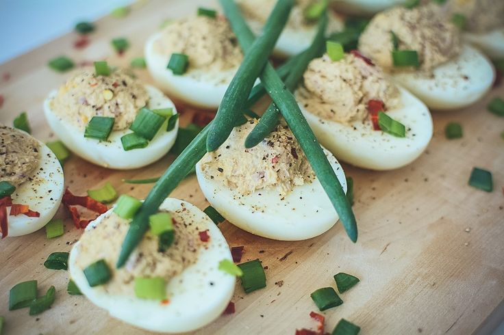 Jajka faszerowane tuńczykiem