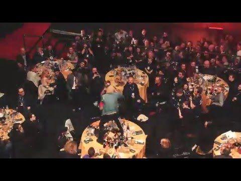 Vocalista do Bring Me The Horizon quebra mesa do Coldplay em premiação britânica #Disco, #M, #Noticias, #Novo, #Popzone http://popzone.tv/2016/02/vocalista-do-bring-me-the-horizon-quebra-mesa-do-coldplay-em-premiacao-britanica.html