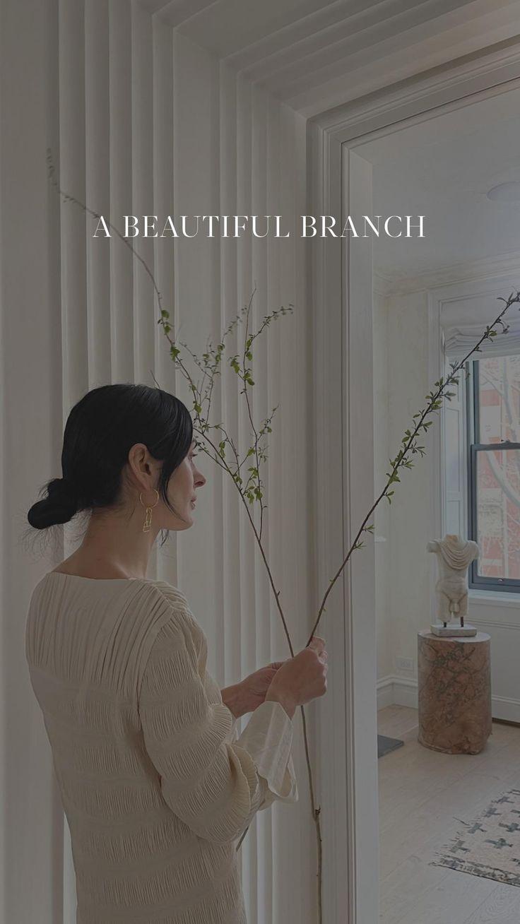 Furniture Inspiration, Home Decor Inspiration, Interior Styling, Interior Design, Organic Modern, Beautiful Flowers, Home Improvement, Modern Design, Sweet Home