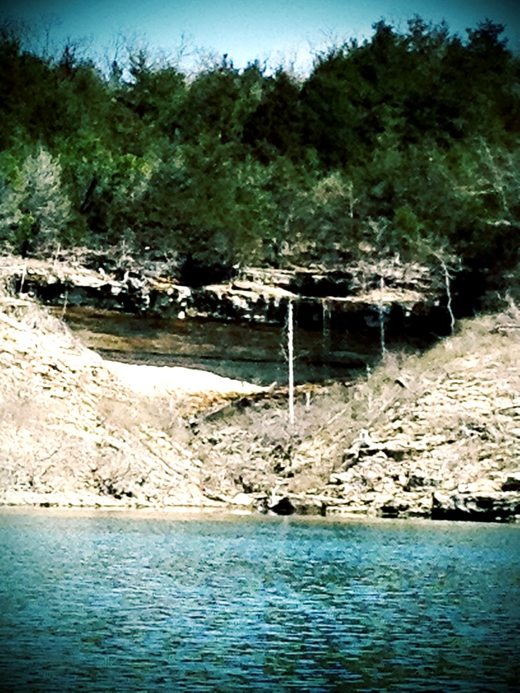 Bull Shoals, Arkansas. Bull Shoals Lake is an artificial lake or reservoir in the Ozark Mountains of northern Arkansas and southern Missouri. It has hundreds of miles of lake arms and coves perfect for boating, water sports, swimming, and fishing.