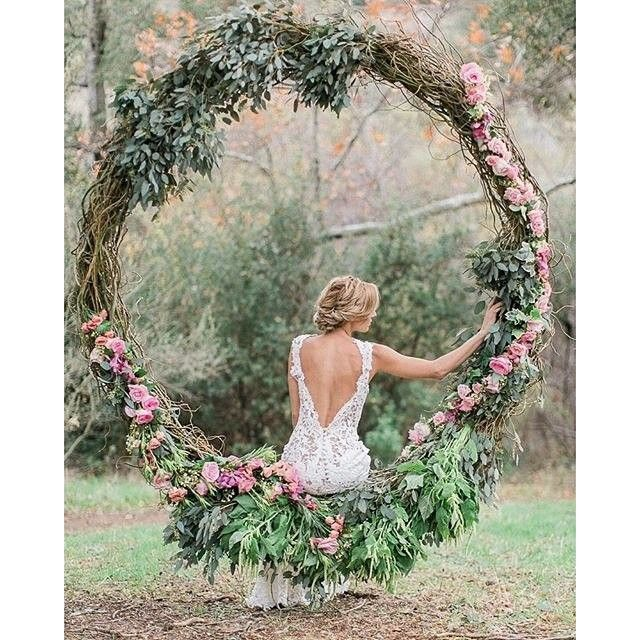 Gasp! So much love for this dreamy styled shoot planned and designed by @charis_events showcasing a @jinzabridal gown with floral by @designerdana.lee. / Hair and makeup by @gracelinmakeup / Model @dezistyle with @mastinlabs / Photo @jeremychouphotography