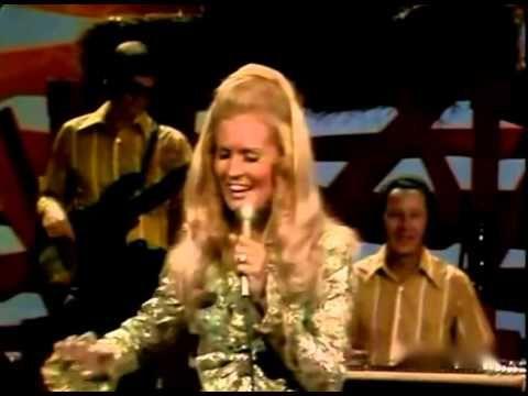 Country singer Lynn Anderson, famed for 1970's 'Rose Garden,' dies at 67 - Binary Option Evolution
