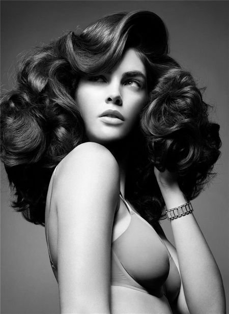 Modern 50's Hair Rendition. I will never say no to big, curly and vintage.