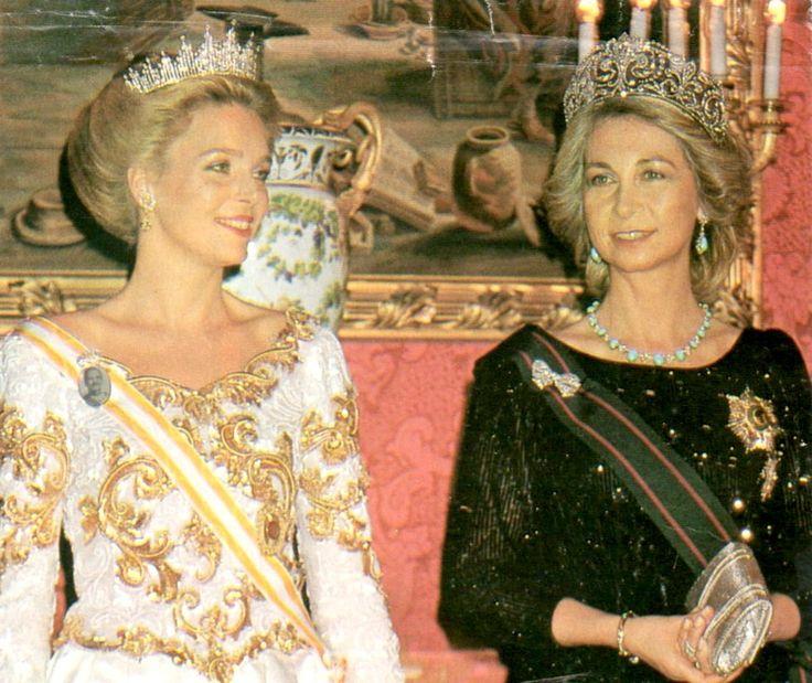 cotilleando:  Queen Noor and Queen Sofia