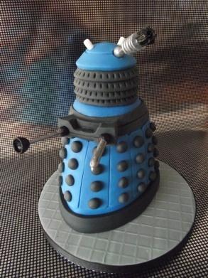 Dalek cake, Who needs at their finest :) #dalek #drwho #donotrecognizemustdestroy