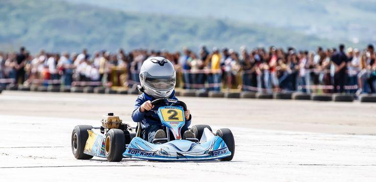 NOU- Tabara de karting si engleza 2017 in Marea Britanie ofera sesiuni de karting coordonate de instructori calificati si cursuri de engleza! Pentru detalii: 0736 913 866 office@mara-study.ro www.mara-study.ro
