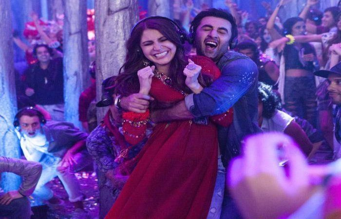 Lol! Watch How Ranbir & KJohar Jumped On #AnushkaSharma's English