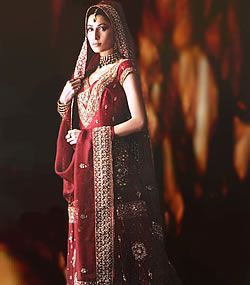 Best 25 middle eastern fashion ideas on pinterest eastern traditional middle eastern dress for women sciox Images
