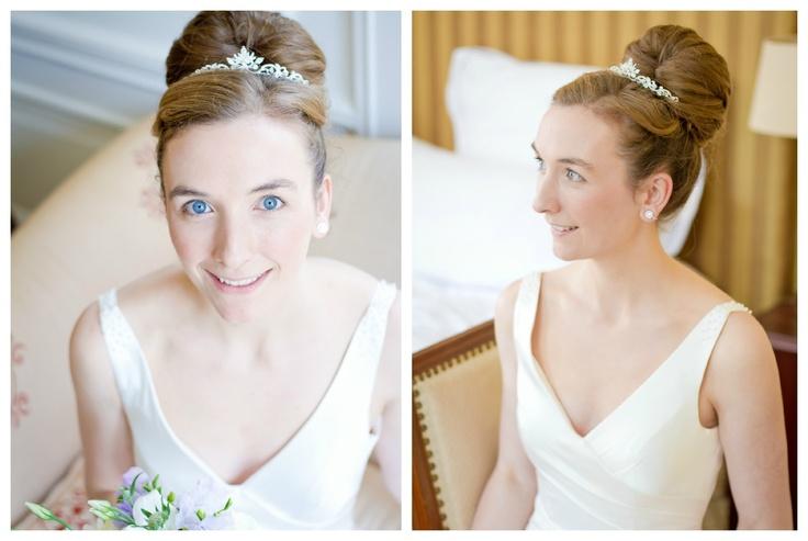Als je de basis voor je naturel bruidslook hebt gelegt, kun je de make-up voor je ogen en lippen aan gaan brengen!