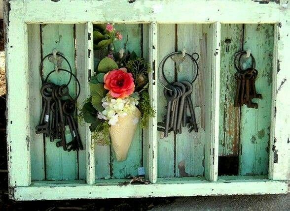 Love the old wooden box and of course the skeleton keys