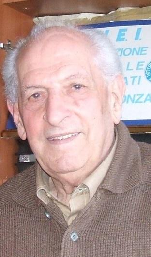 """Luigi Rossi: uno dei Militari Italiani Internati (IMI) durante la Seconda Guerra Mondiale, è fuggito dalla """"marcia della morte"""" nel 1945."""