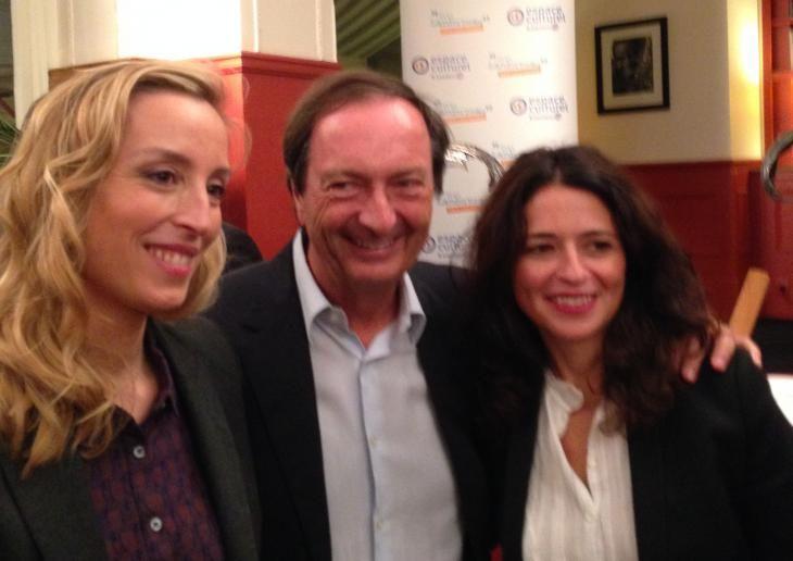Légende: Michel-Edouard Leclerc entouré à sa gauche, par Karine Tuil, lauréate du prix Lander