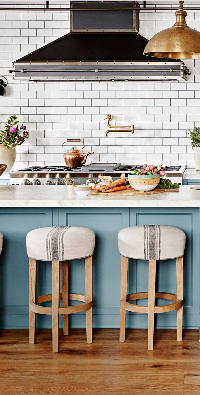 BlueStar kitchen of Julianne Hough from Dancing with the Stars. What do you think? Click for more Bluestar inspiration!