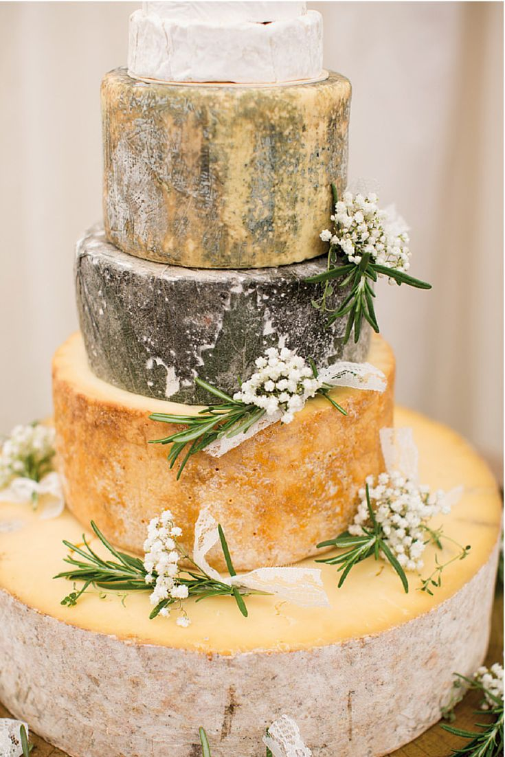 7 Quick and Easy Rustic Wedding Details That Won't Blow The Budget #Wedding #Rustic #DIY