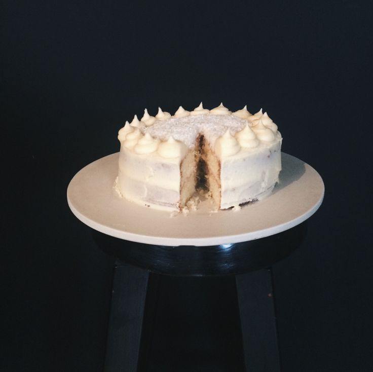 double layered vanilla cake