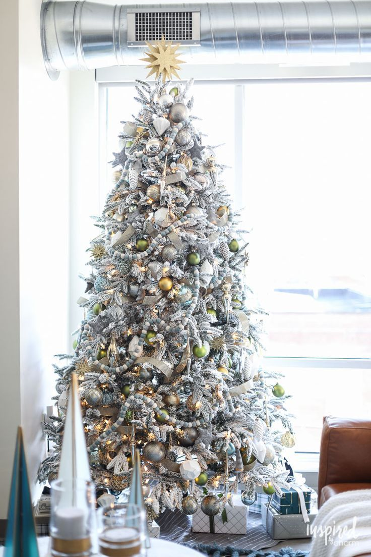 Modern Christmas Living Room Decorating Ideas An Apartment For Decorations Holiday Decor Christmastree
