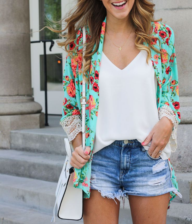 The 25+ best ideas about Lace Kimono Outfit on Pinterest | White kimono outfit Lace cardigan ...
