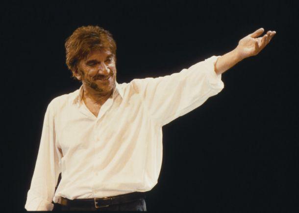Gigi Proietti biografia: carriera e scuola teatrale - http://www.wdonna.it/gigi-proietti-biografia-carriera-scuola-teatrale/84350?utm_source=PN&utm_medium=WDonna.it&utm_campaign=84350