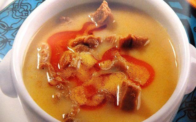 Türkische suppe rezepte und Hochzeitssuppe (Dugun corbasi) rezepte. Hochzeitssuppe Zutaten und Hochzeitssuppe rezept (Düğün çorbası tarifi)