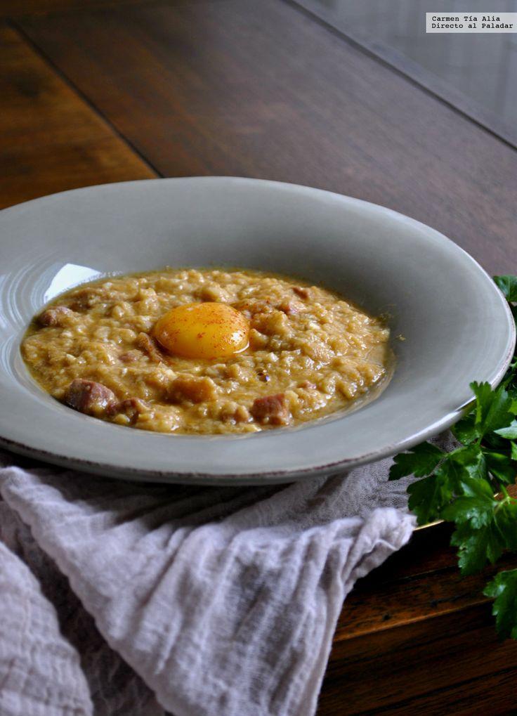 Te explicamos paso a paso, de manera sencilla, la elaboración de la receta de sopas de ajo con jamón y huevo. Ingredientes, tiempo de elaboración