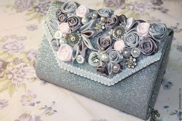 """Купить Клатч """"Шарм"""" - серебряный, цветочный, атласные цветы, клатч театральный, клатч ручной работы"""