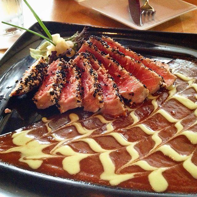 Tuna Tataki with wasabi mayo and gravy. 참티 타타끼 스테이크 아님.  #tuna #tataki #sushi #japanese #daily #food #foodie #foodgasm #foodporn  #foodphotograpy #foodpics #dinner #yum #yummy #참치 #튜나 #타타끼 #먹스타그램 #맛스타그램 #먹방 #맞팔 #소통 #선팔 by coke_candy