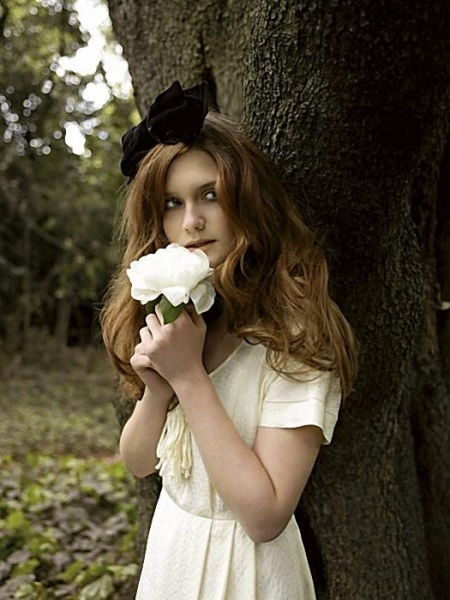 Bonnie Wright by Nicole Nodland for The Evening Standard 2009