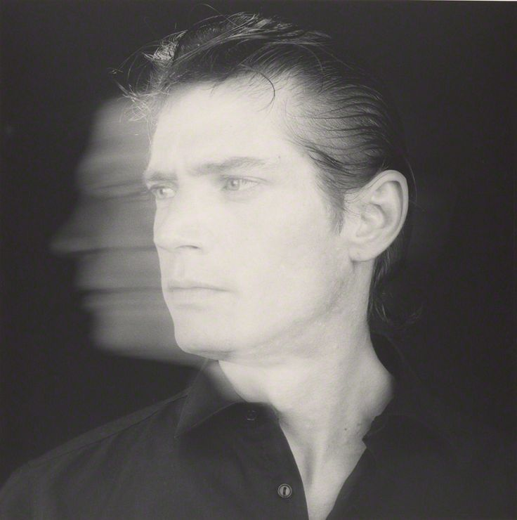 Robert Mapplethorpe (1946-1989) - American photographer, known for his large-scale, highly stylized black and white photography. Self-portrait, 1985