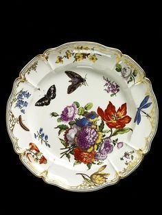 Dish made in Nymphenburg, Germany, 1760-65 / Hard-paste porcelain painted with enamels and gilded