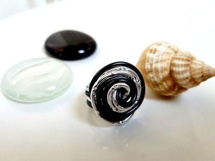 Bague classique noir et argenté - aluminium  : Bague par alu-creations