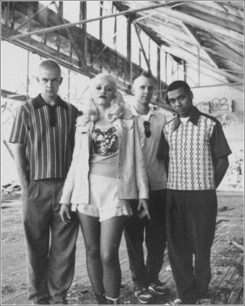 No Doubt / Gwen Stefani....one of my favorite bands of all time <3