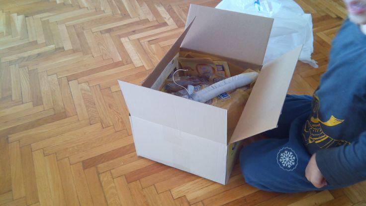 Am primit pachetul ... la desfacut am ajutor :)